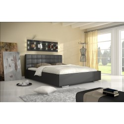 Čierna manželská posteľ s úložným priestorom
